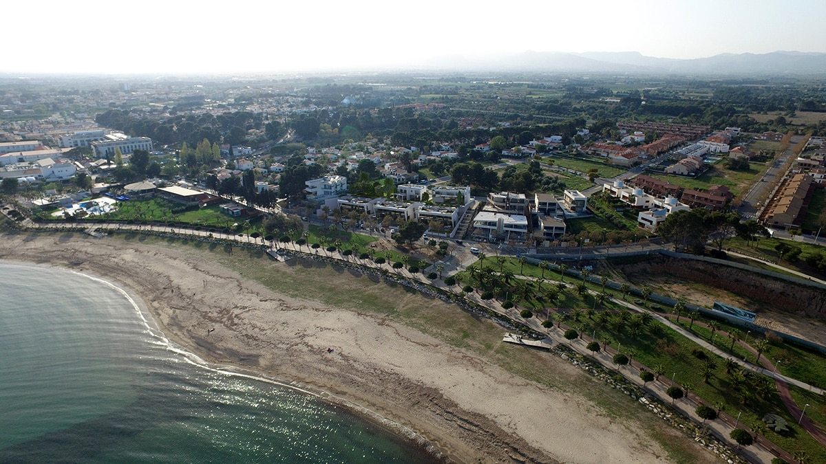 Render exterior aerial view luxury houses Oxalis at Cambrils by GAYARRE infografia